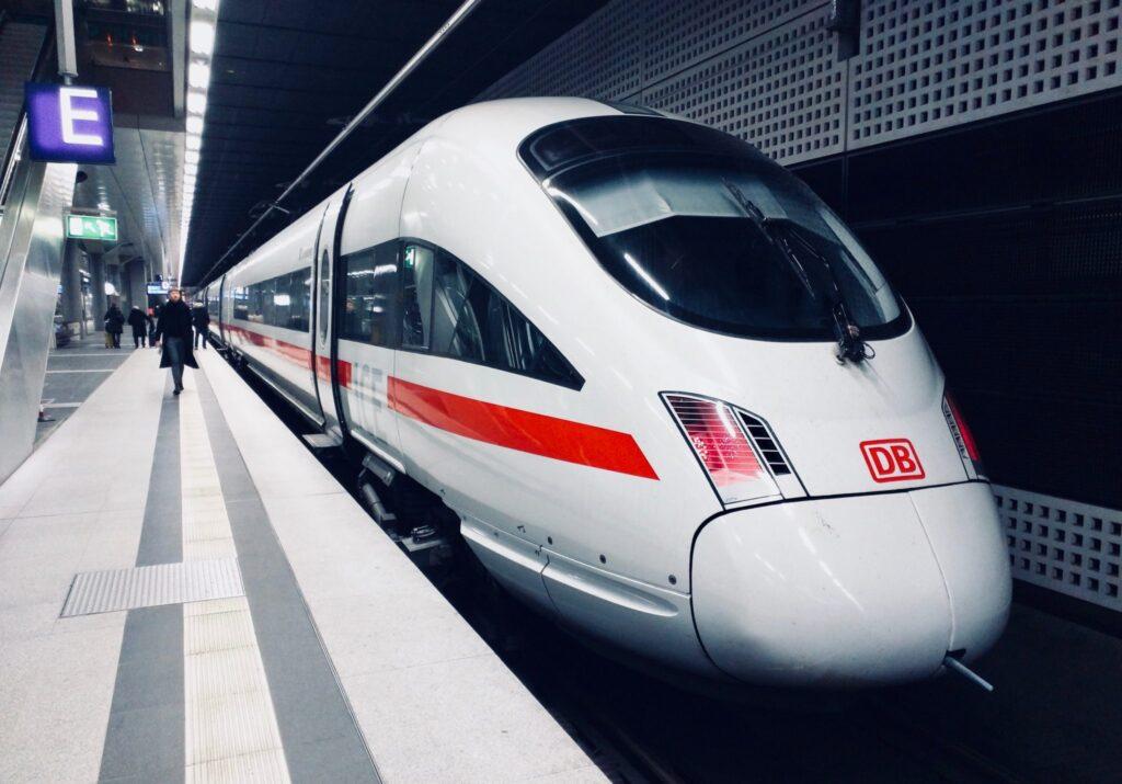 Brand Communication wie große Konzerne wie die Deutsche Bahn