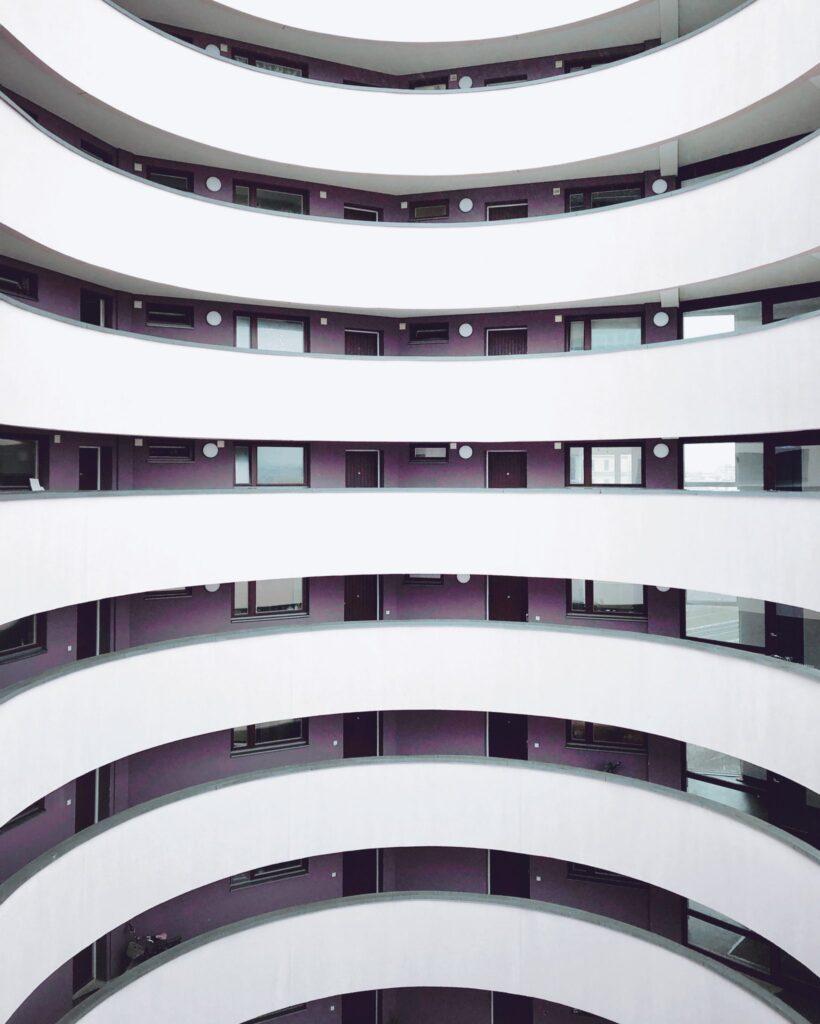 Symbolfoto für Brand Development mit Treppenhaus